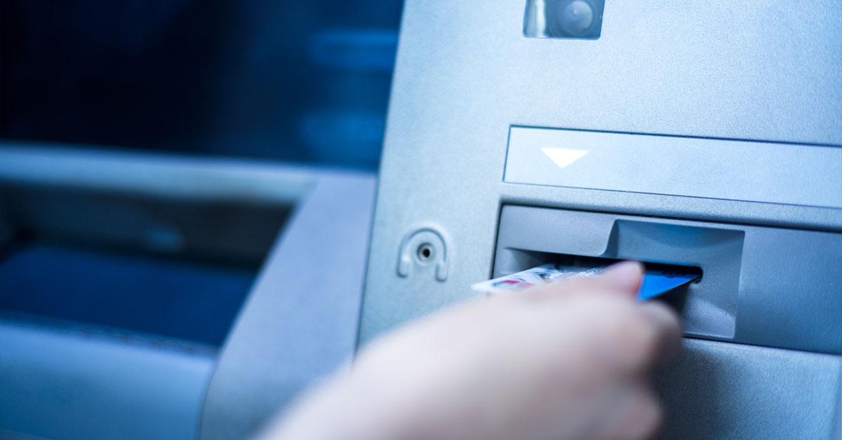 Dágult a pénzfelvétel, az aranykártyások járnak a legjobban | Magyar Nemzet